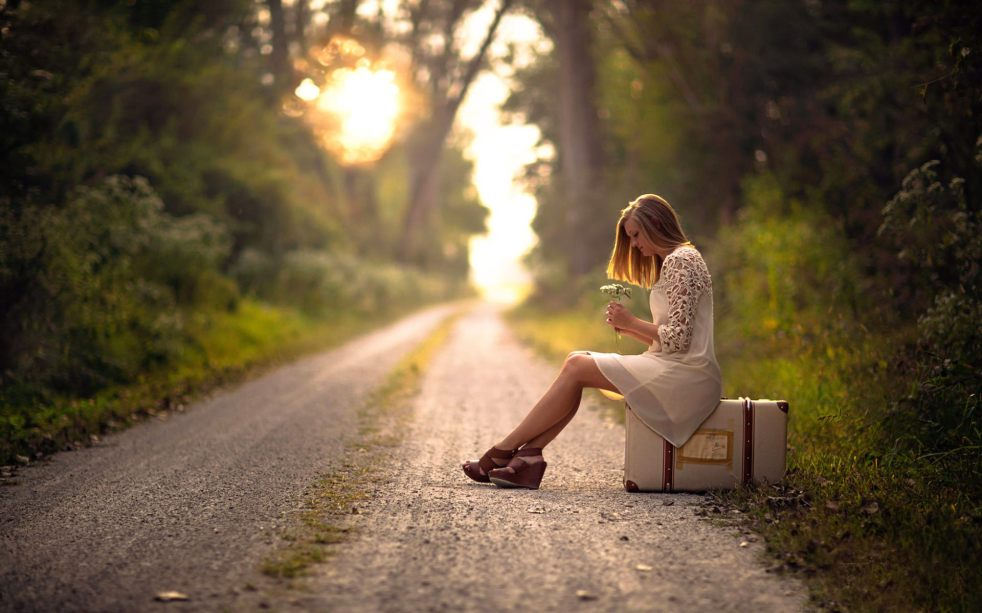 alone-lonely-girl-images-hd-pictures